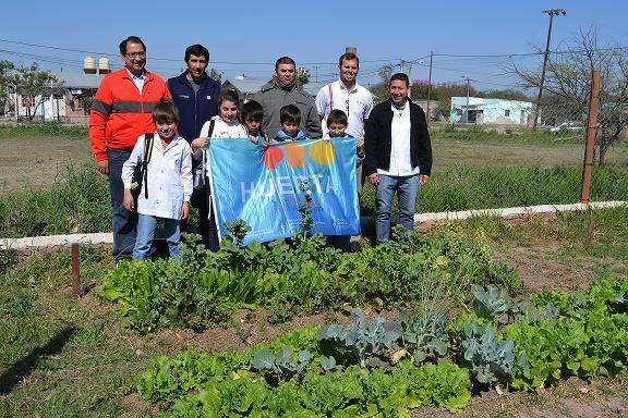 Con mucha atención, alumnos de 6º grado de las escuelas primarias, participaron del Pro-Huerta.