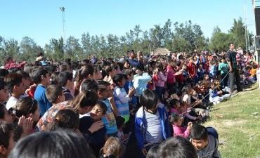 El domingo 21 del presente mes, con marcado éxito se celebró el día del niño organizado por la municipalidad de Santa Sylvina.