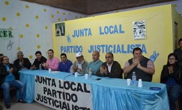 Asumieron las nuevas autoridades partidarias en un marco importante de afiliados y simpatizantes del justicialismo en Santa Sylvina.-
