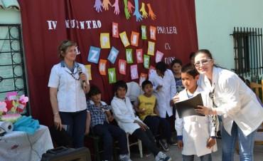 Docentes y alumnos estrecharon vínculos de confraternidad en el IV encuentro de escuelas rurales.